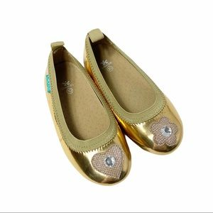 Like new! Chooze gold flats